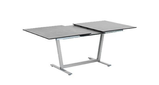 Ausziehbarer Tisch Montana ohne Hintergrund
