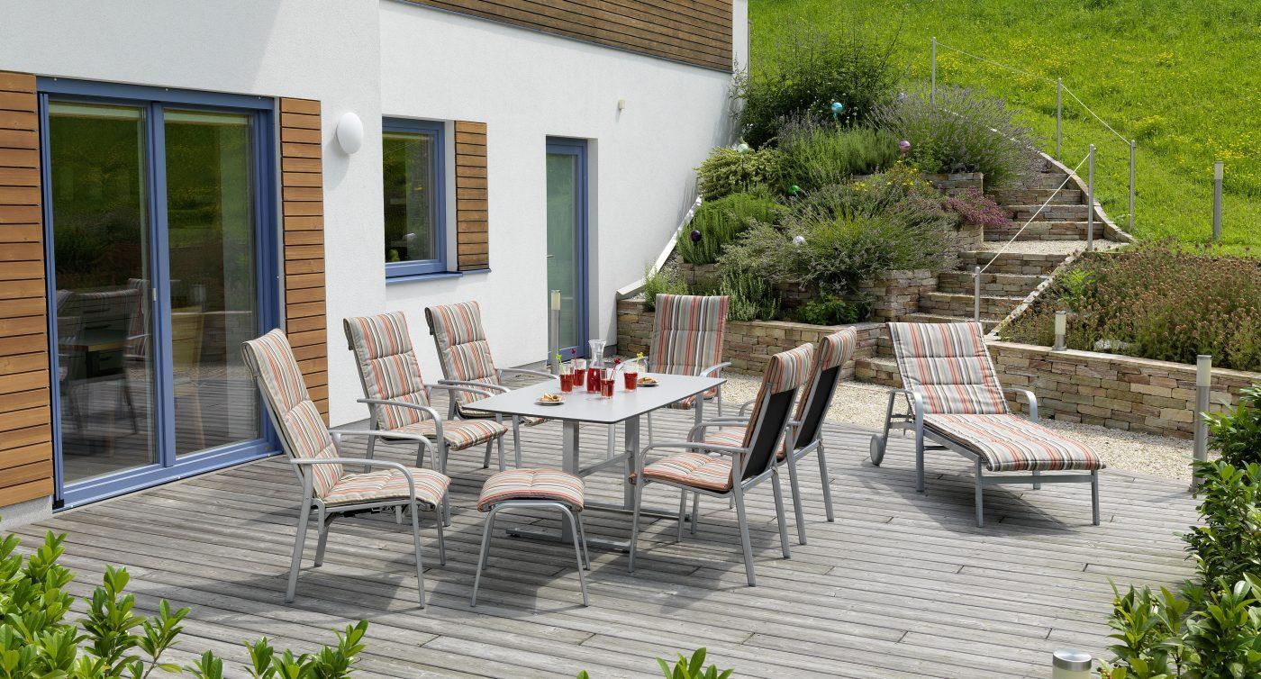 Gartenmöbel Ibiza mit gestreiften Sitzbezügen